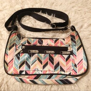 LeSport Sac wavy colorful fun shoulder bag